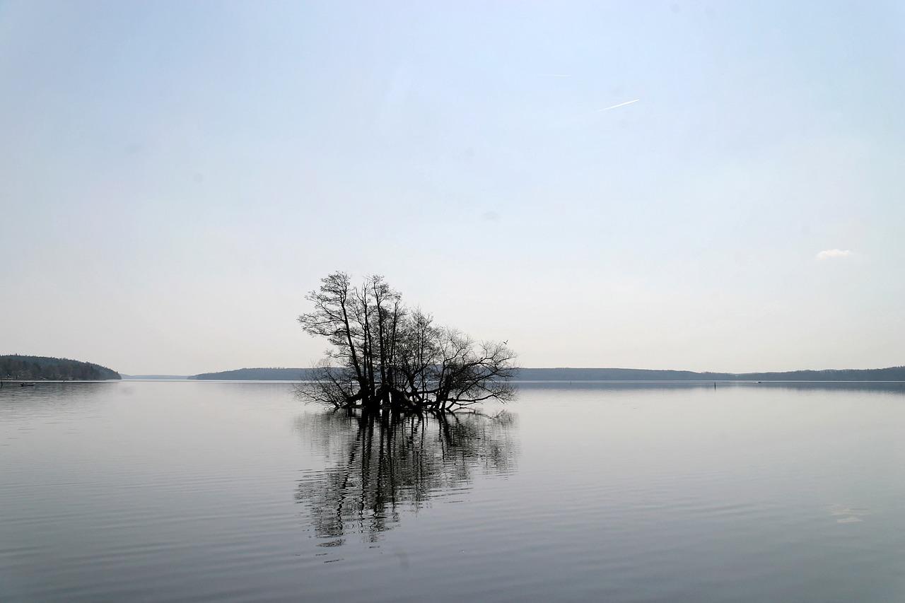 Природные ресурсы Швеции озеро и реки